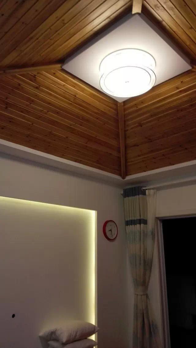 卧室顶面.jpg