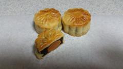 豆沙蛋黄月饼.jpg